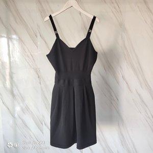 Botón de oro de punto con cuello en V vestido de la liga de cintura alta cintura delgada elegante corto verano de punto Vestido de tirantes para la Mujer 2020