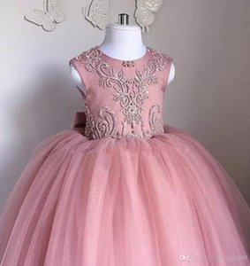 Ziemlich niedlich erröten rosa Blumenmädchen Tutu Kleider mit großen Pailletten Bogen Tüll geschwollene kleine Mädchen Ballkleider für Hochzeitsfeier