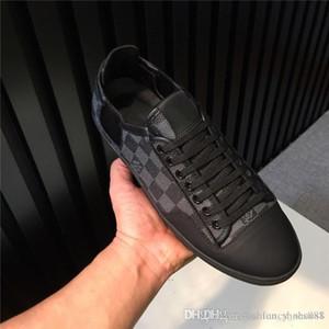 Erkek kutu 38-45 ile basit klasik high-end serisi ve atmosferik baskılı spor ayakkabı Düşük üstü düz taban yürüyüş ayakkabıları