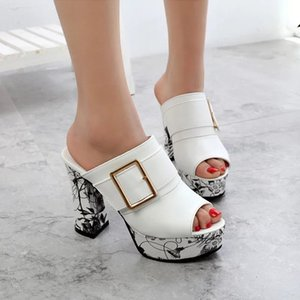 صيف جديد 2019 النساء النعال المفتوحة تو كعب سميك الصيف اللباس أحذية امرأة الشرائح الأحذية النسائية قباقيب 3092