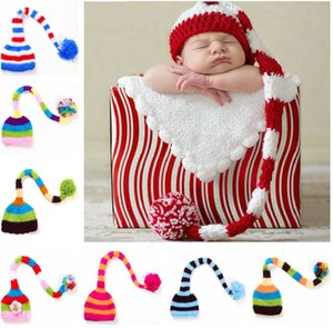 A mano Knit Cappello da Babbo Natale del Crochet del bambino di natale tappi della ragazza del neonato di Natale con Pompon cappello infantile della coda lunga striscia Berretti cappelli prop del partito JXW482
