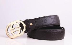 Cinturón de diseño 2018 Cinturones de moda para hombres y mujeres Cinturones de moda de cuero genuino Cinturones de cintura de oro Hebilla negra de plata