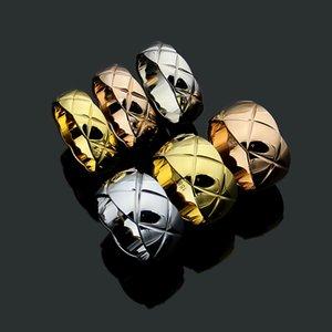 New Style Diamond Check Check Titanium Acero Chapado en oro Pareja Joyería de anillo