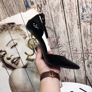 Designer de alta Qualidade Mulheres Sandálias de Salto Colorido Top T-strap Bombas de salto alto Senhoras de Couro de Patente Letras Exclusivas 11 CM calcanhar Sapatos de Vestido