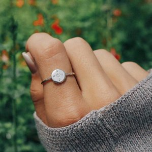 2020 Boho Gold Silver Color Hammered Travel Wanderlust Compass Ring Vintage Best Friends Rings for Women Graduation Gift Friendship Jewelry