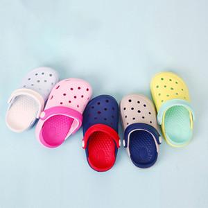 Çocuk Plaj Terlik Yaz Boys Kız Kapalı Moda Katı Renk Delik Ayakkabı Bebek Bebek Kaygan Kız Sandalet ve Terlik Çocuk Ayakkabı