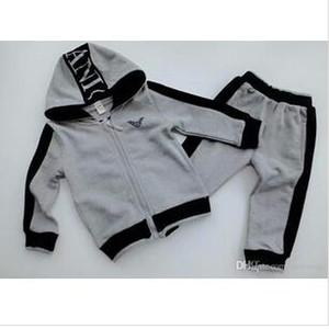 HEIßER VERKAUF mode klassischen Stil Kinderkleidung Für Jungen Und Mädchen klassische Sportanzug Baby, Kleinkind Kurzarm Kleidung Kinder Set 0-7 Alter