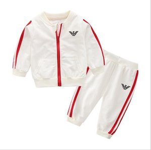 Marca ragazzi e ragazze tute per bambini tute per bambini T-shirt pantaloni 2 pezzi / set abbigliamento per bambini vendita calda nuova moda estate AD696