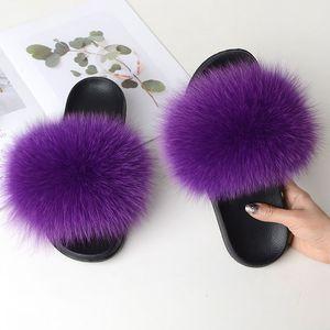 COOLSA Neue Frauen Casual Furry Pelz Flip Flops realer Pelz-Sandelholz-Dame Fluffy Slides Frauen-Plüsch-Flach Pantoffeln Reise Schuhe