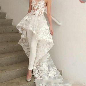 Diseñado Apliques florales Vestidos de novia 2019 Cuello cariño Pantalones de mujer Trajes Vestidos de novia de playa Barrer tren con flores Ropa formal