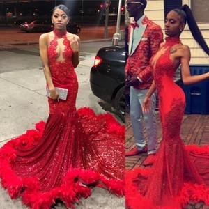 Sexy sirena de plumas rojas 2K17 vestidos de baile 2020 Tamaño sin espalda halter del cordón de la vendimia Plus muchachas negras de África árabe vestido formal del partido de tarde