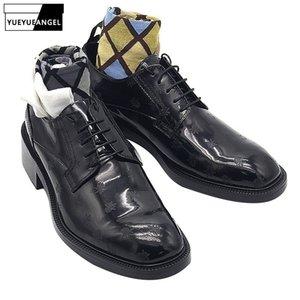 2020 новых людей Блок Med Каблуки площади Toe из натуральной кожи ботинки платья офис Мужской Groom Пчелы Печатные Свадебные Формальные Дерби обувь