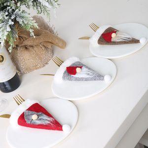 3 Renkler Santa Hat Çatal Seti Sevimli Karikatür Hotel Restaurant Bıçak Çatal Seti Noel Şenlikli Parti Dekorasyon Malzemeleri
