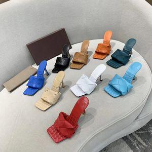 Nuovo quadrato piano donne Mulo Toe Slipper LIDO intrecciato Nappa scarpe tacco alto modo delle signore sexy assottiglia le pompe Sandalo con Box