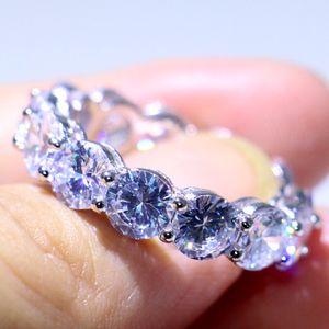 Pila di gioielli di lusso frizzante 925 Sterling Silver 6MM taglio rotondo 5A Cubic Zirconia Eternity Anello Circle Women Wedding Band Ring