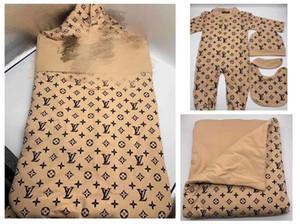 Baby-Spielanzug + Hut + Schlafsack + Decke + Bit 5pcs pro Los Neugeborene Jumpsuit Säuglingsbaby neugeborene Junge Designerkleidung