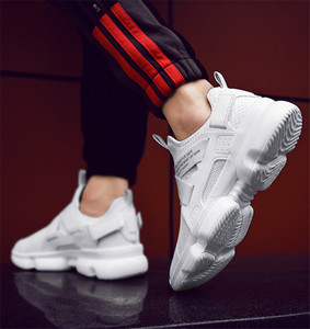 Yeni Ucuz With Box Chaussures Moda Tasarımcısı Ayakkabı Eğitmenler Beyaz Siyah Elbise De Luxe Sneakers Erkek Kadın Ayakkabı çalışan toka Bir pedal
