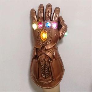 Luvas Infinito Gauntlet Avengers Infinito Guerra Thanos LED Cosplay Prop Avengers LED Luvas de PVC Halloween Party Adulto 2019 SH190922
