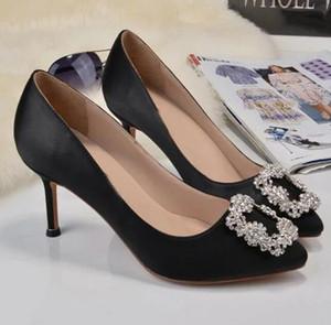 Новая Fashoin женщина обуви Дамы плоские сандалии атласная стилет каблук Повседневная обувь Rhinestone Pionted Toes платье обувь партии свадьбы