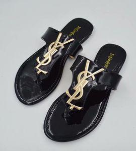 2019Summer sandales de plage hommes design de la marque et des femmes pantoufles pantoufles sandales plates G avec de longues sandales à ongles