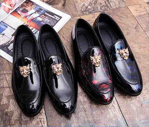 New style British Style Black Classical Men Business Dress Shoes Patent Leather Derby Shoes Men's Flat Oxfords Wedding Party Shoe