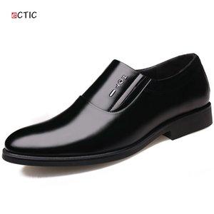 ECTIC 2019 Nouvelle Plate-Forme De Printemps Glissement Sur Les Affaires En Cuir De Mariage Bout Pointu Chaussures Pour Hommes Robe Chaussures Marié