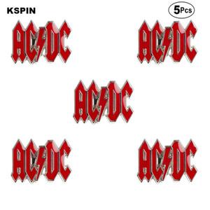 AC DC Spille risvolto perno della bandierina spilla distintivo Pins Badge 5pcs un lotto