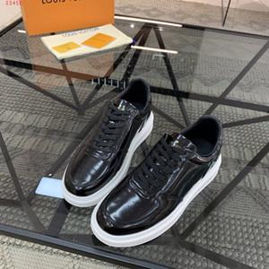 Lastest Männer Beverly Hills Trainers glänzend glasierte Kalbsleder Freizeitschuhe Mode Luxuxentwerfer ultraleichte Gummi schwarze Turnschuhe