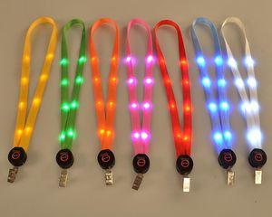 Levou Cadeia Light Up Lanyard Key ID Badge Colar Chaves Titular Q0246 pendurados corda
