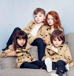 Britânico Windbreaker mangas compridas roupa Brasão Crianças Moda Tench Coats Meninos Windbreaker Primavera Meninas Outono Coats longo casaco infantil