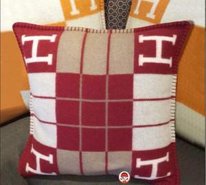 Signature H Throw cachemire laine taie d'oreiller housse de coussin 45 * 45 cm nouvelle couleur nouvelle arriver Noël Nouvel An cadeau chaleureux