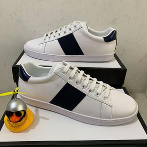 De calidad superior raya Nuevos zapatos de diseño abejas blancas ACE bordadas para hombre diseñador de las mujeres del cuero genuino zapatilla de deporte de los calzados informales de color rojo de fondo
