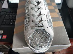 Kadınlar Pullu Küçük Kirli Ayakkabı Yüksek Kalite Gerçek Deri Tasarımcı Kore Star Golden Old Style Sneakers Günlük Ayakkabılar Q-374