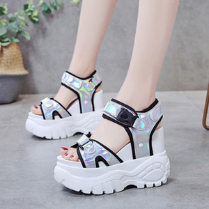 Muffin Bas TUINANLE Plate-forme Sandales 2020 Symphony Chunky Super High Heel Student Augmentation Chaussures d'été Plage Sandalias Mujer