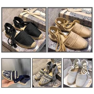 The new 2020SS fisherman's sandals are designed in jacquard embroidered canvas fisherman's shoes retro art with small fresh vamp full comput
