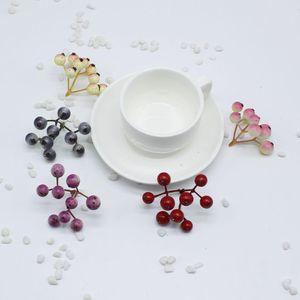 Falso Fruit piccole bacche stami artificiale Berry fiori multicolore Perle Cherry casa di cerimonia nuziale Decorazione di Natale fai da te