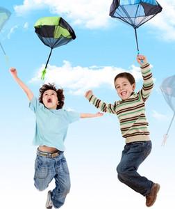 HOT 48 * 43cm Minihandwurf Kinder Parachute Spielzeug Kindersoldaten Outdoor-Sport Kinder Lernspielzeug freies Verschiffen