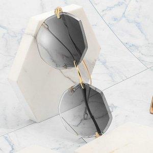 worldkick2018 New glasses fashion frameless sunglasses female celebrity models trimmed diamonds large frame glasses sunglasses women tide