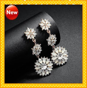 2021 Beautiful Three Flowers Rhinestones Beads Wedding Earrings For Bride Jewelry Free Shipping Dusty Rose Gold Style Cheap Bridal Jewelry