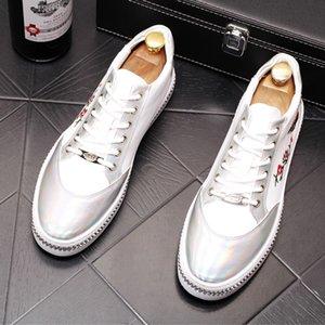 nouveauTriple comfortabl style web chaussure de célébrité édition han marée petite abeille marée jeune homme chaussure de board broderie mocassins étoiles Designer Shoes b8