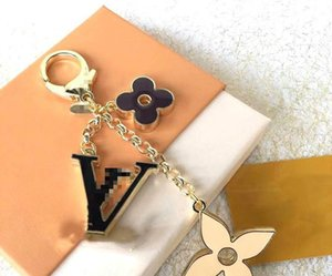 2020 New designer keyring Exquisite letter car keychain multi pendant bag charm fashion key chain free shipping