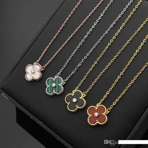 Nova Chegada Lady Moda Latão Quatro Flor Folha 18K colar banhado a ouro com único pingente de diamante Onyx Malaquita Carnelian Mãe de Pearl