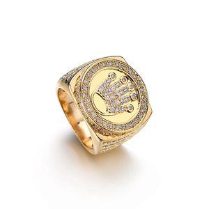 Sparkle Crystals Hip Hop Jewelry King Crown Anillos de dedo para hombres Bling Bling Micro Pave CZ Color dorado Anillo de circón Accesorios