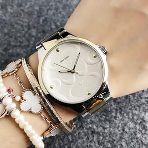 Mode Marque montre-bracelet cadran de style fille de New York féminin bande en acier métallique montres à quartz COA 02