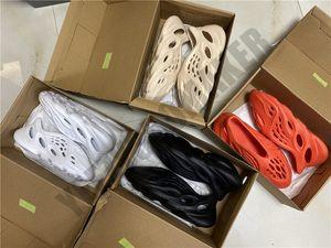 2020 zapatos de playa QIAO Kanye West espuma Runner OG romanos 380 hombres zapatillas de deporte kanyewest calzado deportivo hombres de los zapatos corrientes hombre luz Entrenadores 36-44