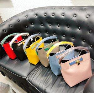 Kilit Kepçe Çanta Kadınlar Yeni Moda Crossbody Omuz Çantaları Yaz Parlak Renkler Çanta Bayanlar Totes