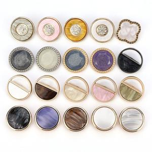 50pcs 23 milímetros Forma incrustada óleo de ponta de diamante de metal duplo botões camisola revestimento blusão de pé alto mão botões costurados atacado