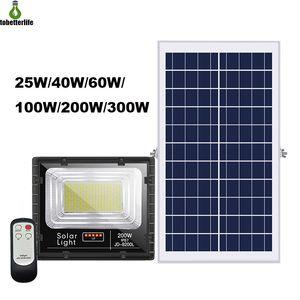 Récent solaire 25W 40W 60W Projecteur 100W 200W 300W Projecteur LED étanche Lampe solaire avec télécommande solaire LED éclairage extérieur