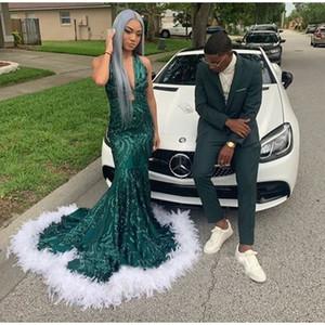 Verde oscuro moderna sirena con lentejuelas vestidos de noche de la pluma blanca del dobladillo de la alfombra roja de la celebridad cuello en V profundo Prom vestidos atractivos 2020