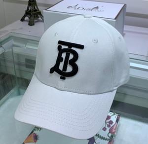 En Yeni Womens Beyzbol Şapkası Hip Hop Snapback Casquette Tasarımcı Yüksek Kalite Unisex lüks Şapka Golf Baba Şapka Kepçe Gömme Şapka spor Şapkalar